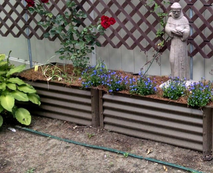 Narrow Rustic Grande Garden Beds