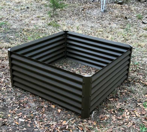 cuadra metal garden beds