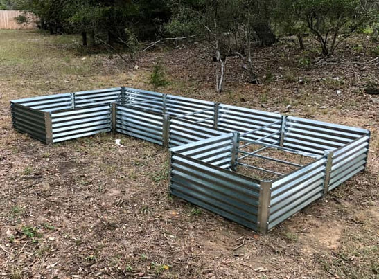 u-shaped metal garden beds